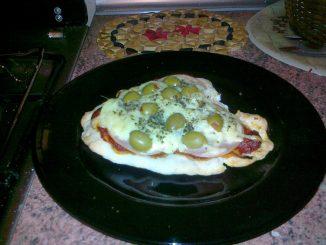 Domowa mini pizza - gotowe danie