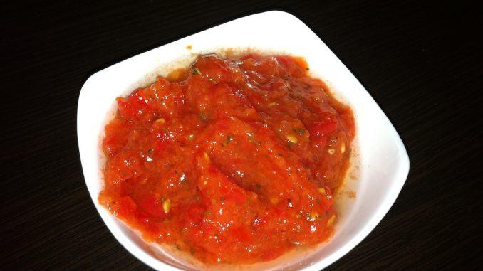 Błyskawiczna salsa pomidorowa