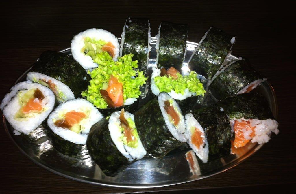 Domowe sushi - kolacja na Dzień Kobiet