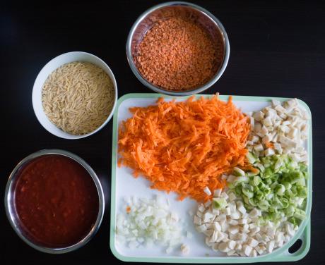 Składniki - zupa pomidorowa z soczewicą