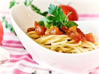 Na szybko - makaron z pomidorami