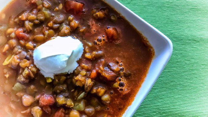 Rozgrzewająca zupa z soczewicy