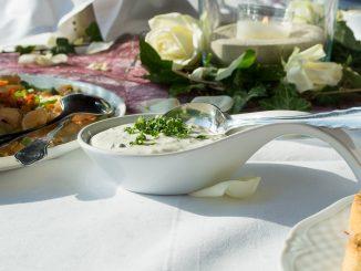 Jak zrobić sos czosnkowy bez laktozy?