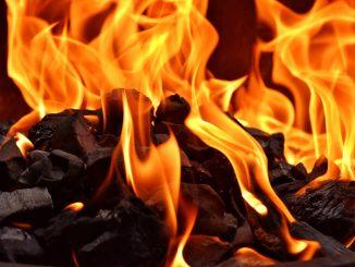 Jak rozpalać grilla - bezpiecznie!