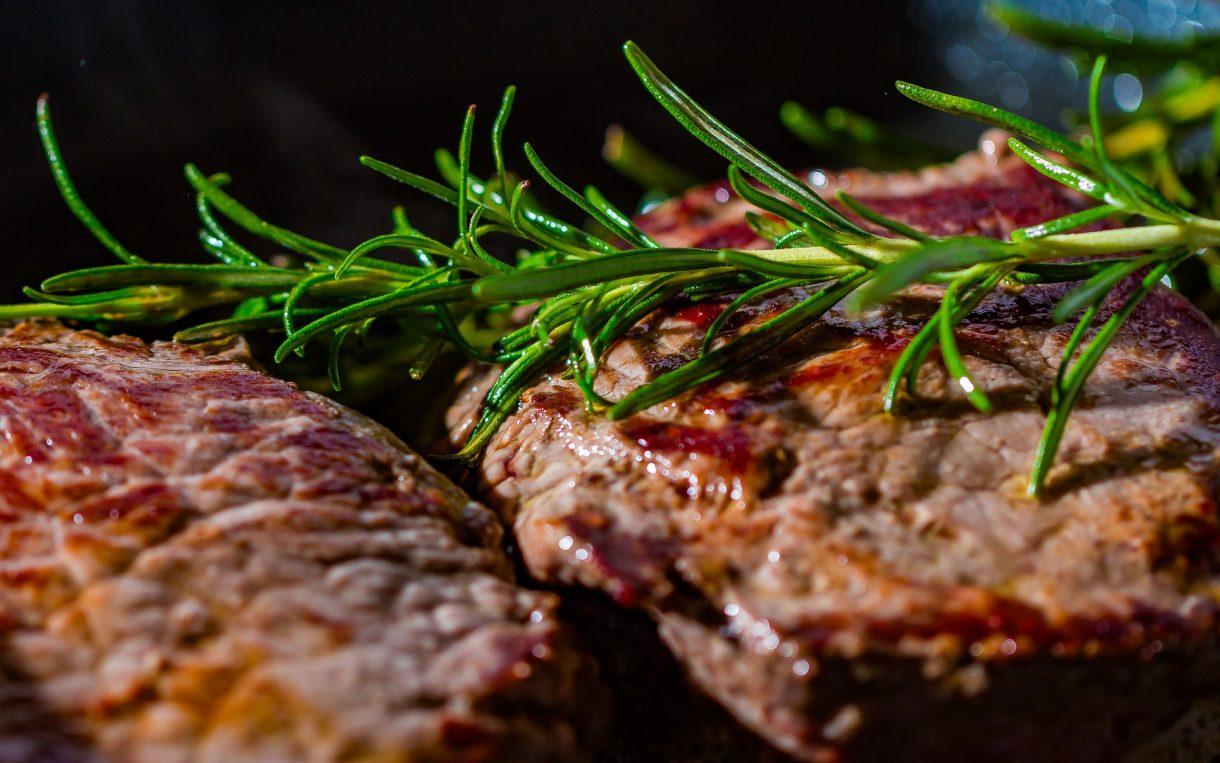 Jak poprawić smak mięsa na grillu