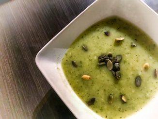 Zielona zupa cukiniowa