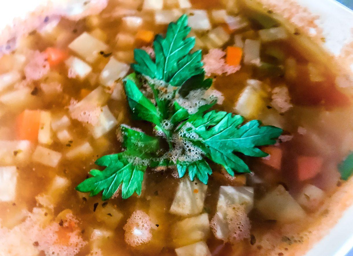 Zupa warzywna z soczewicą