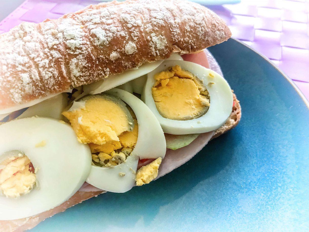 Zdrowa kanapka na śniadanie
