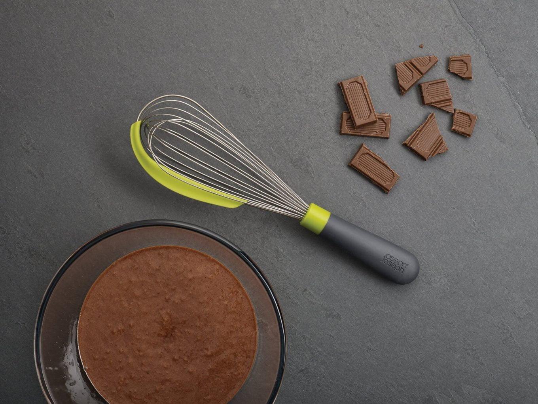 Przybory kuchenne niezbędne podczas pieczenia ciast