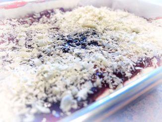Ciasto z bitą śmietaną i chałwą