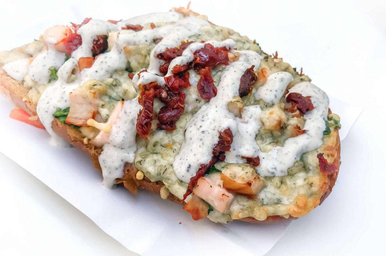 Smaki PRL - tradycyjne zapiekanki - gdzie zjeść?