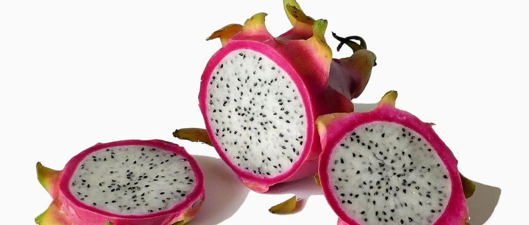 Sałatka ze smoczym owocem