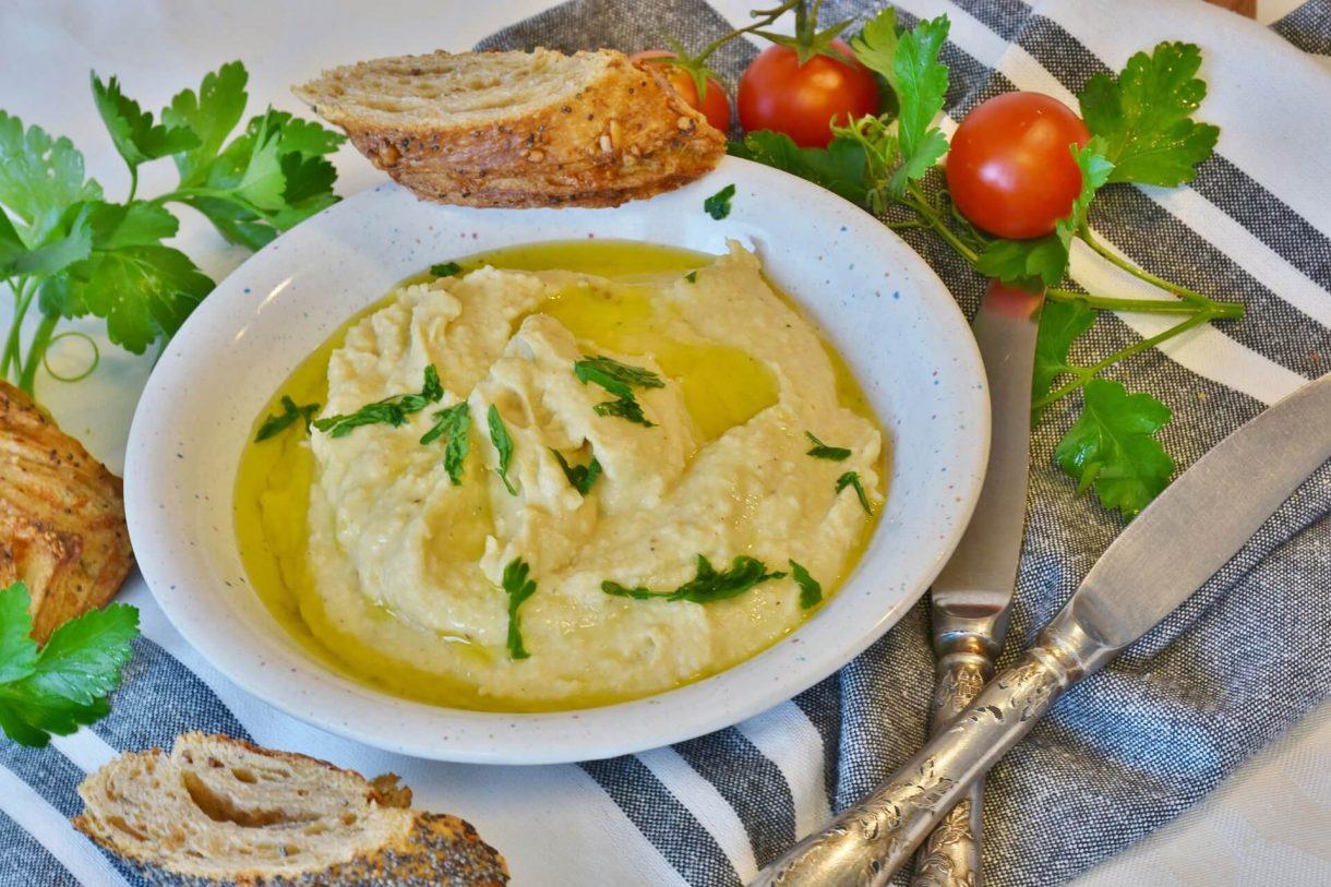 Szybki tradycyjny hummus