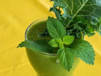 Dietetyczne zielone smoothie