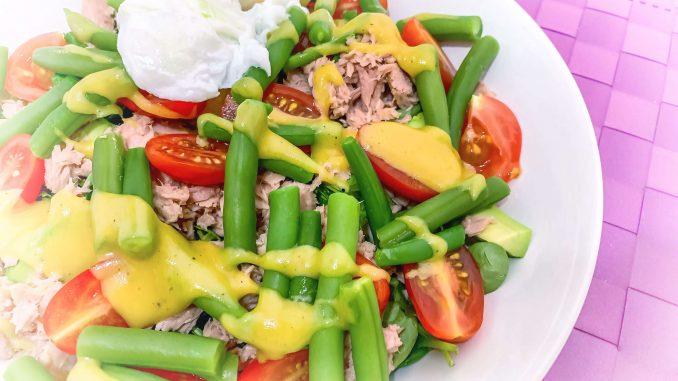 Sałatka z tuńczykiem i zieloną fasolką