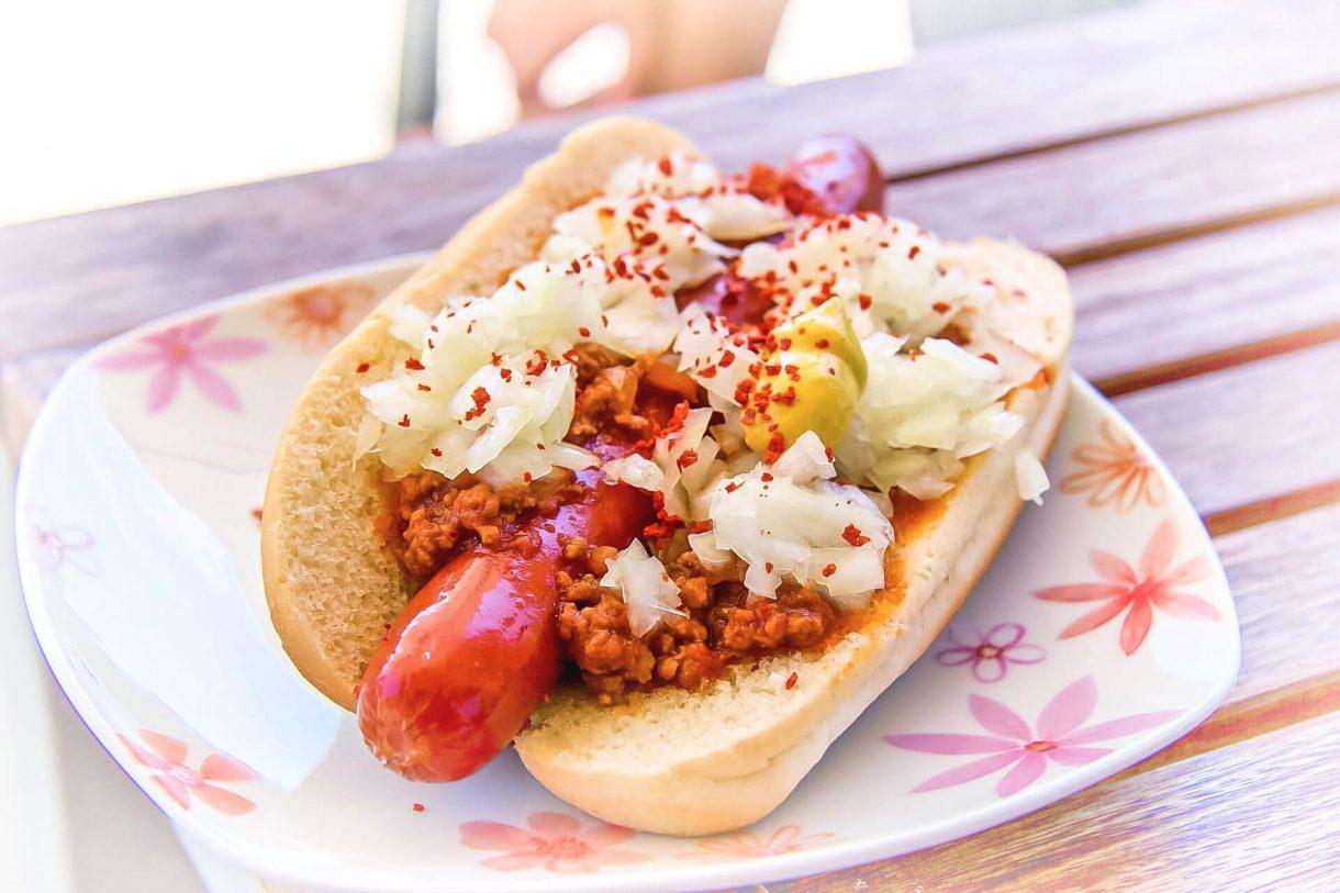 Bardzo mięsny hot-dog