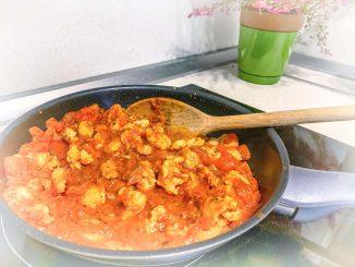 Pomidorowe spaghetti z indykiem