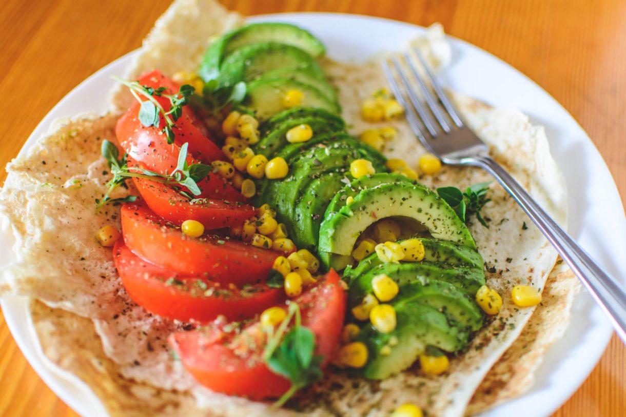 Zdrowa przekąska - tortilla z awokado