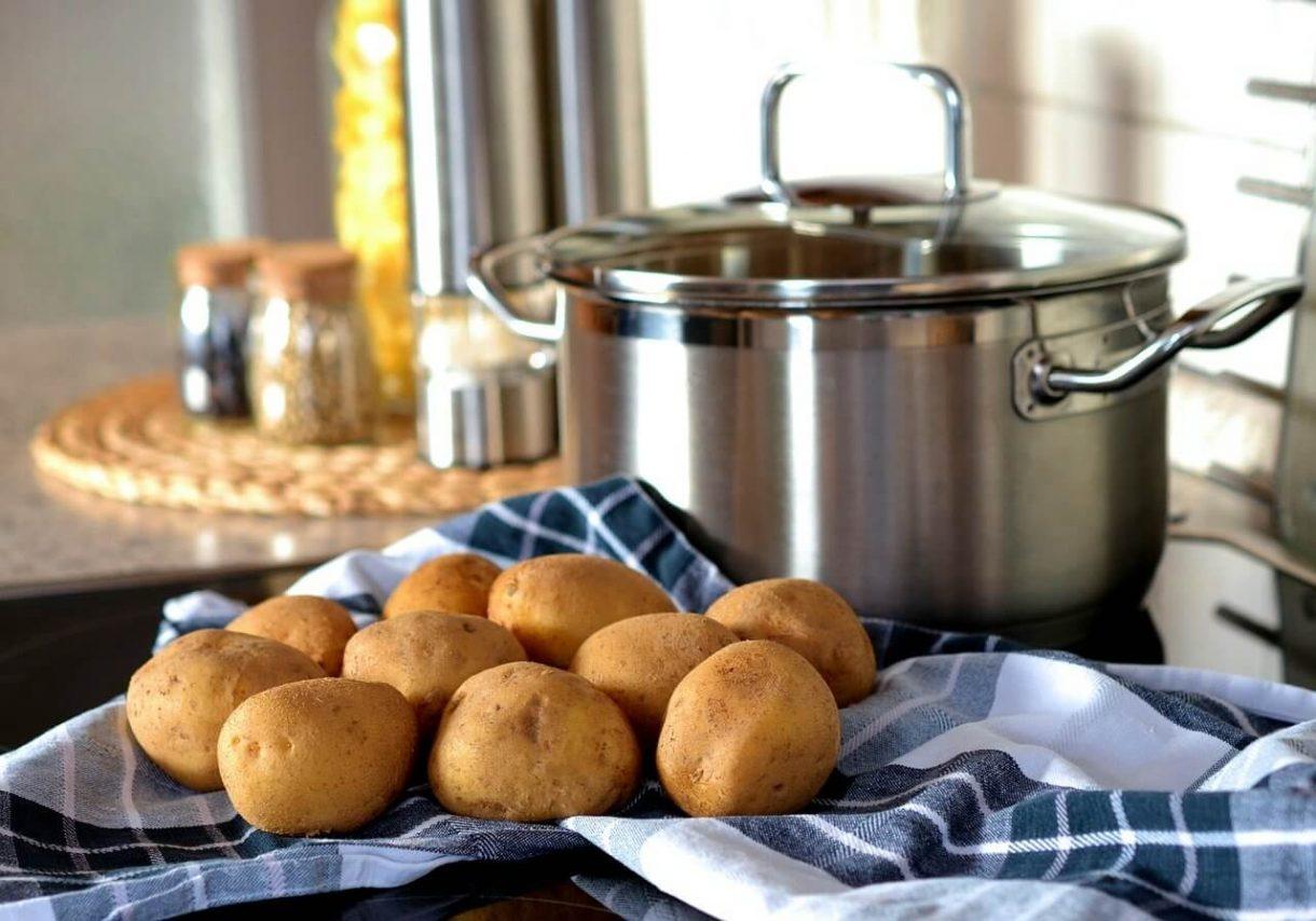 Garnki ze stali nierdzewnej - czy warto mieć je w kuchni?