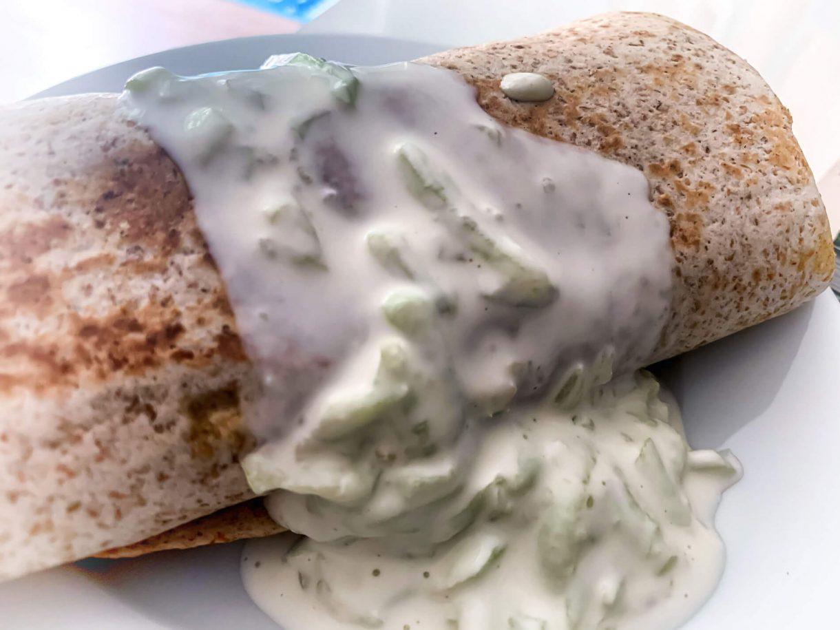 Grecka tortilla z sosem tzatziki