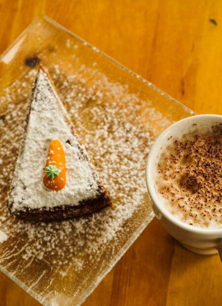 Świąteczne ciasto marchewkowe
