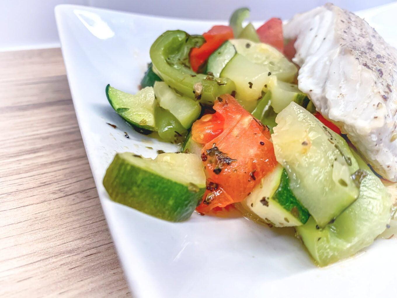 Dorsz czarny z warzywami