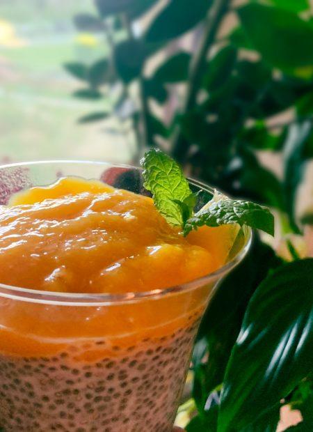 Pudding chia z musem z mango